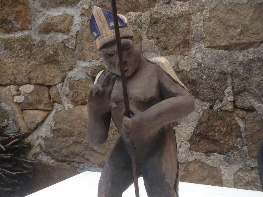 Gorille Pape – Sculpture Céramique